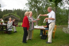 Avgående revisorer Inga-Britt Nilsson och Sigrid Gustavsson avtackas